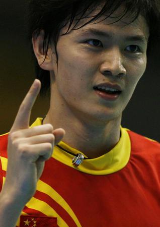 图文:中国胜印尼进决赛 鲍春来庆贺得分