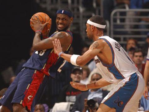 NBA图:骑士艰难淘汰奇才 詹姆斯拼尽全力