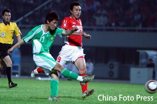 图文:北京国安1-0重庆力帆 闫相闯进球瞬间