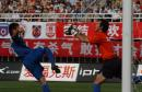 图文:西安国际4-2胜大连实德 张晨门前化险