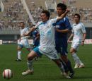 图文:西安国际4-2胜大连实德 刘成带球突破
