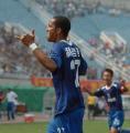 图文:西安国际4-2胜大连实德 维森特破门欢庆