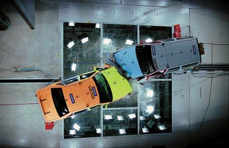 钢板厚车身重就安全吗?