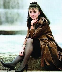 李赛凤加盟《魅》剧只唱不跳 汤加丽兴奋异常