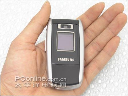 全球最小3g手机狂降 三星扩展折叠机仅1399