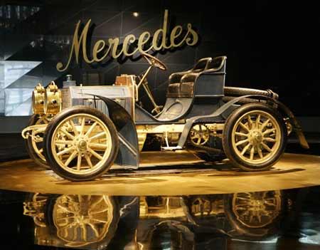 视觉:梅塞德斯-奔驰博物馆展示出百年汽车史