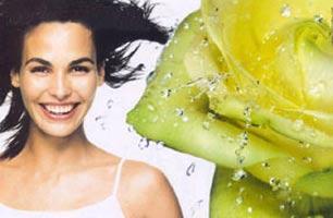 香芬:夏季最流行的香水混搭4法
