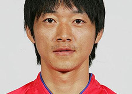 06世界杯韩国队球员 中场金南一
