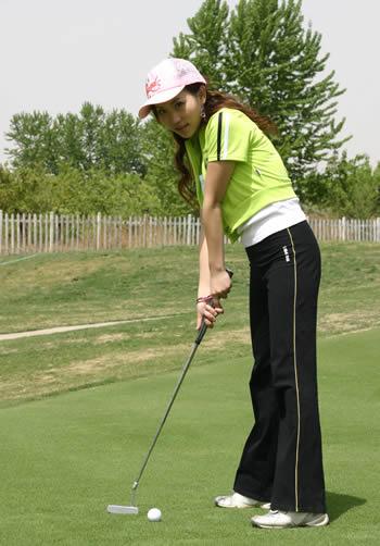 雅芳星计划第8集预告:高尔夫的快乐时尚主义