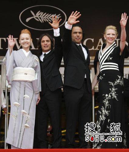 《巴别塔》戛纳首映 众多主创携手集体亮相