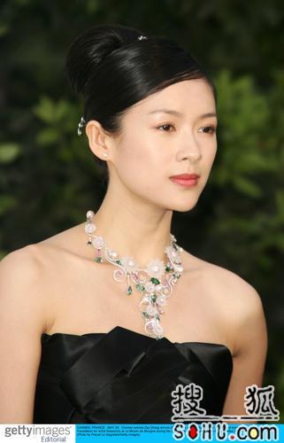 戛纳电影反对艾滋病活动 章子怡杨紫琼展魅力