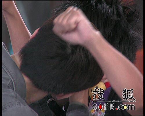 温兆伦上节目惊现断臂之情 徐睿奉献银幕初吻