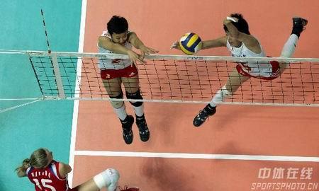 女排赛:王一梅发威 中国胜俄罗斯将与古巴争冠