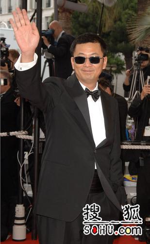 第59届戛纳颁奖礼 评审团主席王家卫亮相红毯