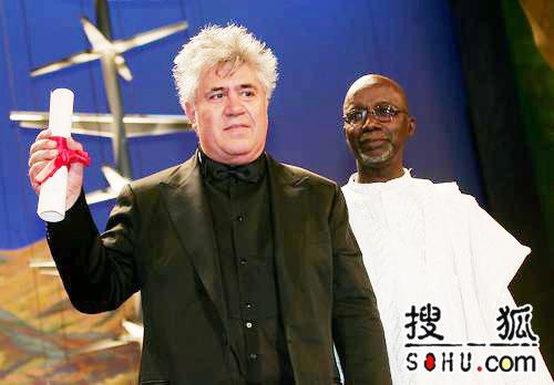 59戛纳颁奖礼 阿莫多瓦获得最佳剧本奖(图)