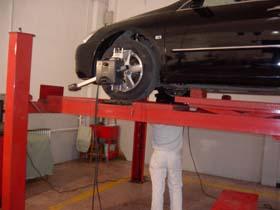 汽车维修告别望、闻、问、听(图)