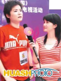 《梦想中国》成都赛区选手不满被淘汰质问评委