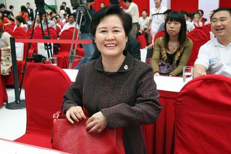 图文:文体明星助威北京奥运 袁斌部长与会