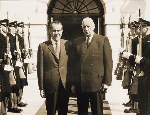 戴高乐说服尼克松改变看法接近中国