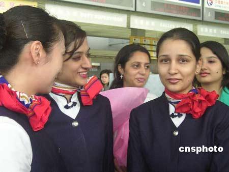 印度籍空姐首次亮相东航 活泼靓丽英语流利(图)