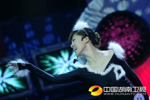 杭州20进10-唐笑演唱《麦卡佛提》展现精彩