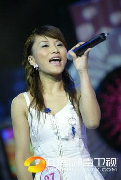 杭州20进10-王晓光唱原创歌曲《天真的翅膀》