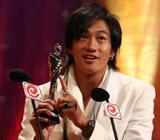 """台湾最受欢迎男演员:何润东src=""""http://photocdn.sohu.com/20060604/Img243551703.jpg"""""""