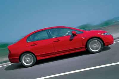 还是秉承了目前本田车型比较注重的未来科技感,但是在局部的创新高清图片