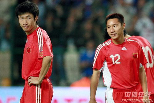图文:法国VS中国热身赛 王云乌龙