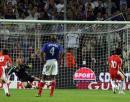 图文:世界杯热身赛法国VS中国队 郑智扳平瞬间