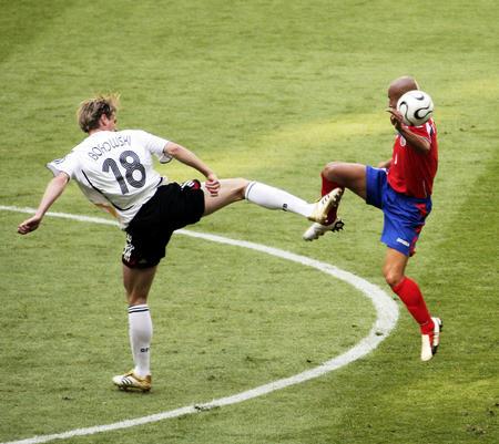 德国2 1哥斯达黎加 博罗夫斯基拼抢