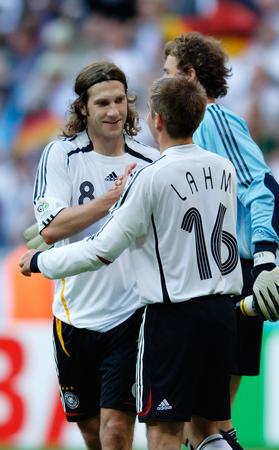 图文:德国4-2哥斯达黎加 德国诺沃特尼传球