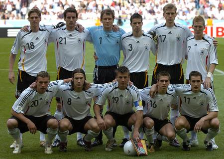图文:德国4-2哥斯达黎加 德国队首发球员合影