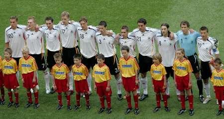 图文:德国4-2哥斯达黎加 德国队球员合影