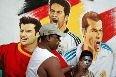 图文:印度的阿根廷球迷描绘着他们的未来