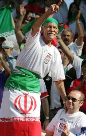组图:墨西哥vs伊朗 伊朗球迷为球队呐喊