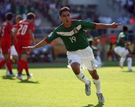 图文:墨西哥VS伊朗 布拉沃庆祝进球