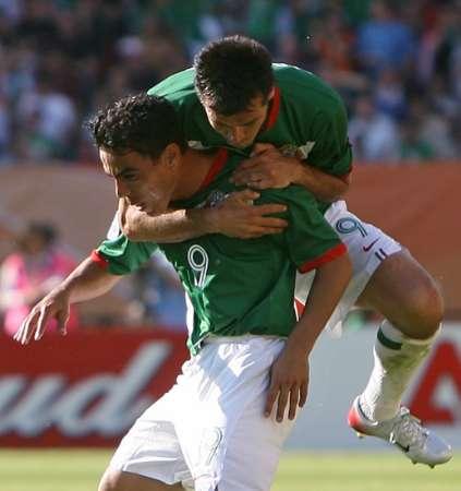 组图:墨西哥VS伊朗 队员庆祝进球