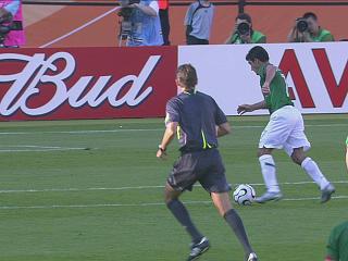 进球幻灯:墨西哥VS伊朗第三粒入球 布拉沃破门