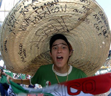 图文:墨西哥3-1伊朗 球迷百态各样