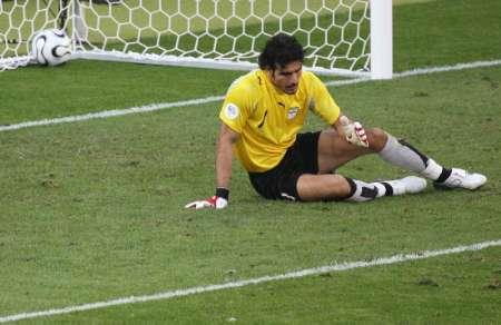 组图:墨西哥3-1伊朗 伊朗队员很是伤感