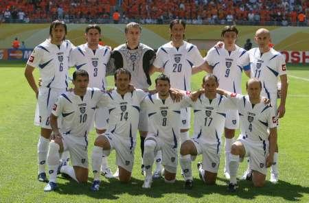 图文:荷兰1-0塞黑 塞黑首发阵容