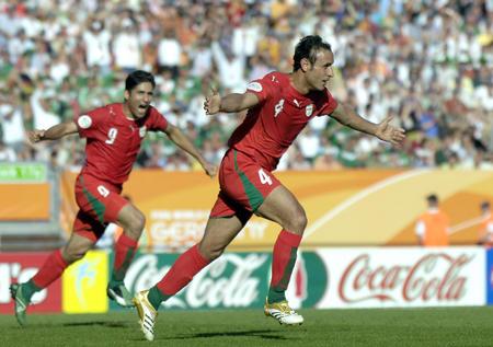 图文:墨西哥3-1伊朗 伊朗队球员庆祝进球