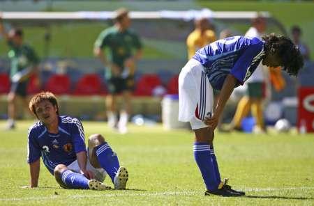 组图:澳大利亚3-1日本 日球员赛后很伤感