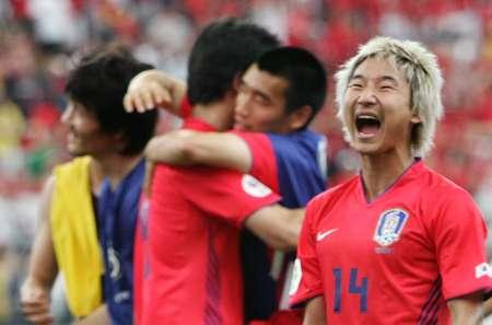 图文:韩国2-1多哥 李天秀呐喊胜利