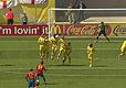 乌克兰队员奋力挡球