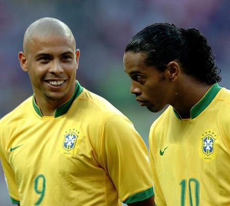 图文:巴西VS克罗地亚 大罗对笑小罗