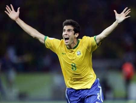 图文:巴西VS克罗地亚 卡卡庆祝进球