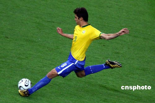 图文:巴西1-0克罗地亚 巴西卡卡一球定乾坤