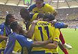 球员抱在一起庆祝